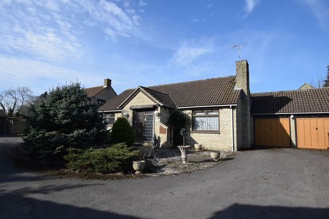 Thumbnail Detached bungalow for sale in The Spears, Yarnton, Kidlington