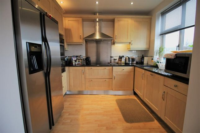 Thumbnail Flat to rent in Mossley Hill Drive, Liverpool