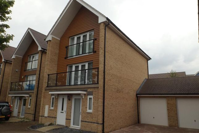 Thumbnail Detached house to rent in Edgeworth Close, Langley
