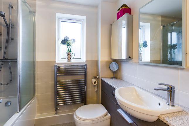 Main Bathroom of Kingsley Way, Whiteley, Fareham PO15