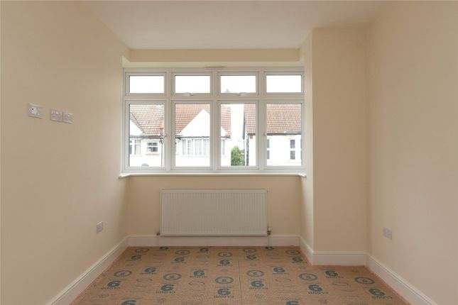 Picture No. 10 of Westborough Road, Westcliff-On-Sea, Essex SS0