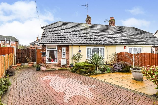 1 bed semi-detached bungalow for sale in Yew Tree Lane, Wednesbury WS10
