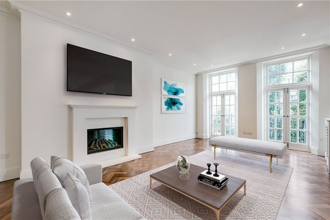 Flat to rent in Coleherne Court, Chelsea, London