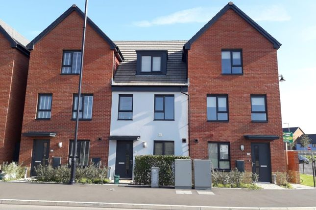 4 bed property to rent in Ffordd Y Mileniwm, Barry CF62