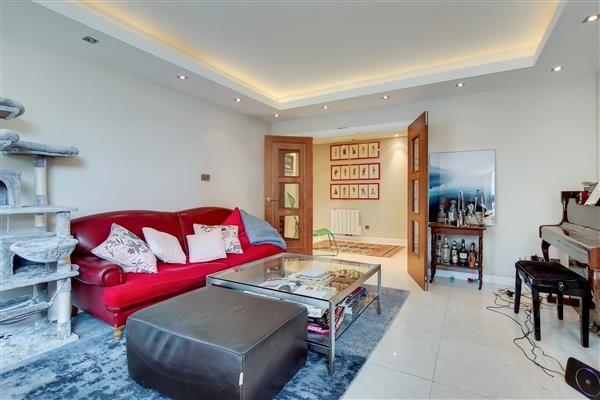 Thumbnail Flat for sale in Manor House Court, Warrington Gardens, London