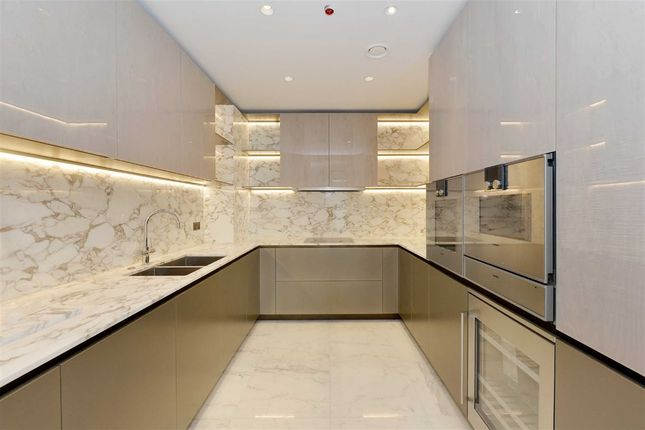 Thumbnail Flat for sale in Chiltern Place, London