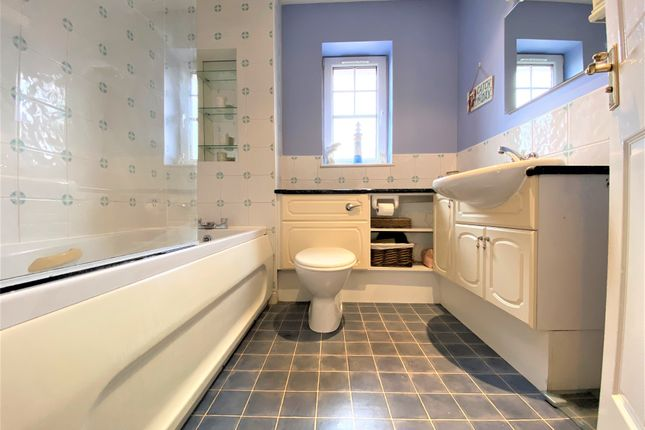Bathroom of 20 Lawers Road, Broughty Ferry, Dundee DD5