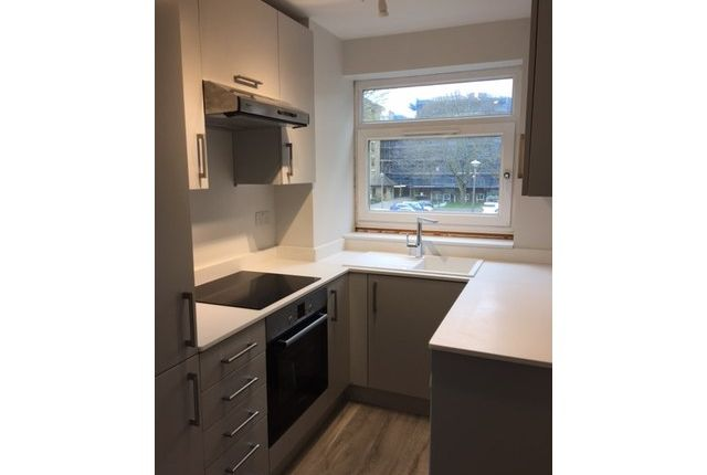 Thumbnail Flat to rent in Brondesbury Road, Kilburn, London