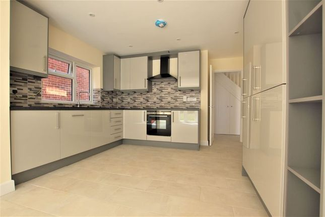 4 bed property to rent in Prince Crescent, Staunton GL19