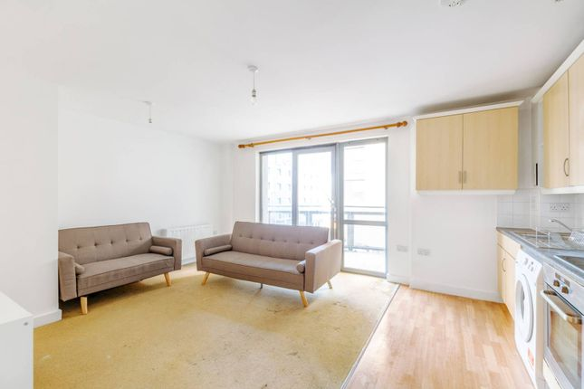 2 bed flat for sale in Victoria Road, North Ealing, London W3