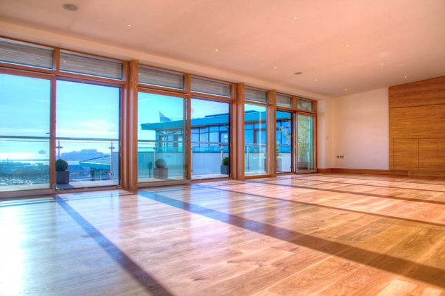 Thumbnail Flat for sale in Glategny Esplanade, St. Peter Port, Guernsey