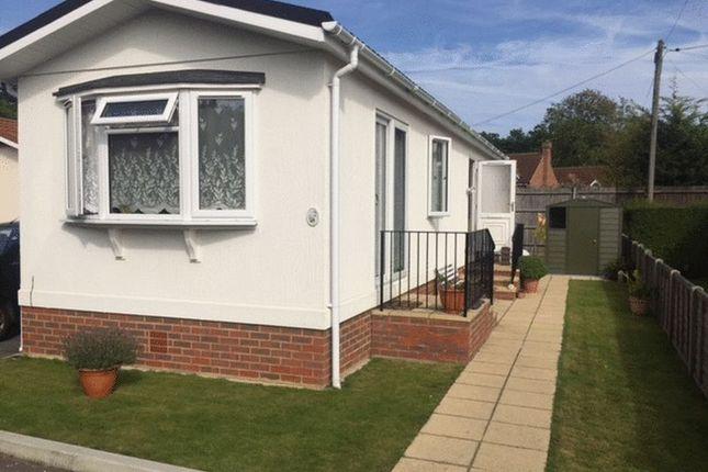 2 bedroom mobile/park home for sale in Park Lane, Cranbourne Hall, Winkfield, Windsor