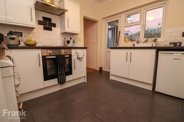 Thumbnail Property to rent in Holyrood Avenue, Southampton