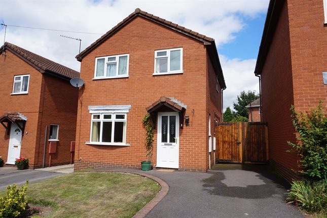 3 bed detached house for sale in Belfield Road, Etwall, Derby