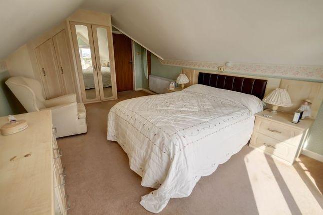 Bedroom 1 of Deepway Gardens, Exminster, Exeter EX6