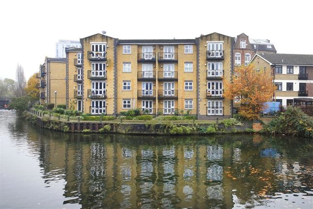 Thumbnail Property to rent in Twig Folly Close, Bethnal Green, London