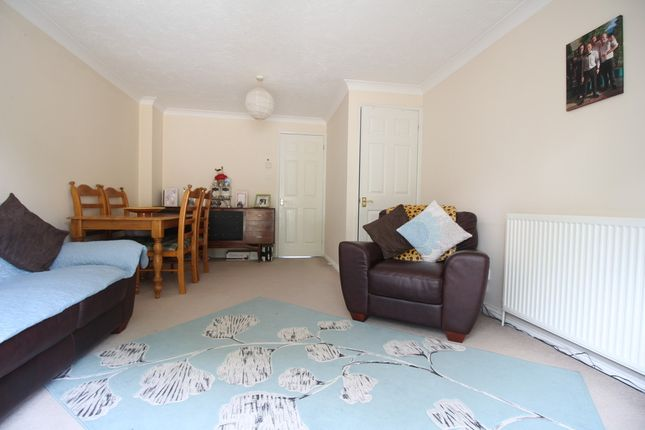 Thumbnail Terraced house to rent in Gisburne Way, Watford