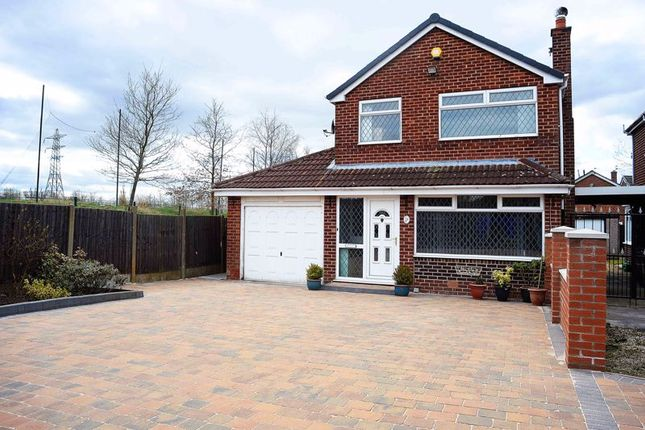 Thumbnail Detached house for sale in Rufford Close, Ashton-Under-Lyne