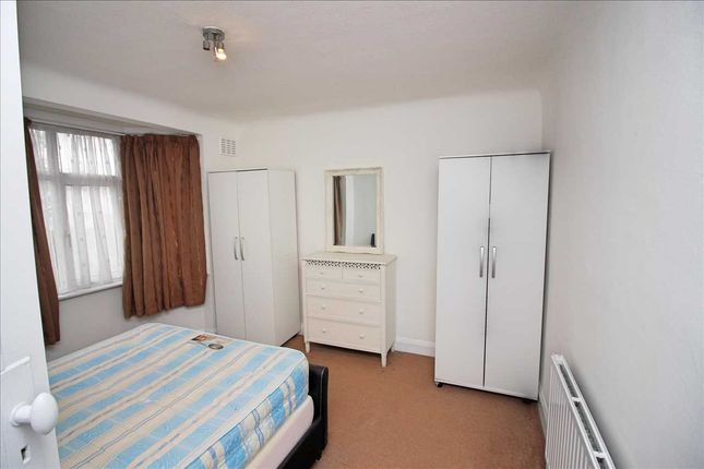 Bedroom of Rushgrove, Colindale, London NW9