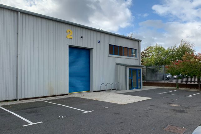 Thumbnail Warehouse to let in 41 Brownfields, Welwyn Garden City