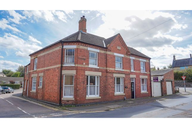 Thumbnail Cottage for sale in 2 Harborough Road, Rushden