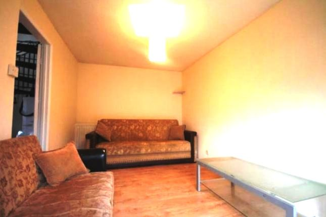 1 bed semi-detached house to rent in Portland Road, London N15