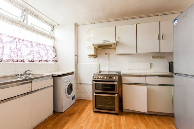 Thumbnail Maisonette for sale in Chapman Street, Shadwell, London