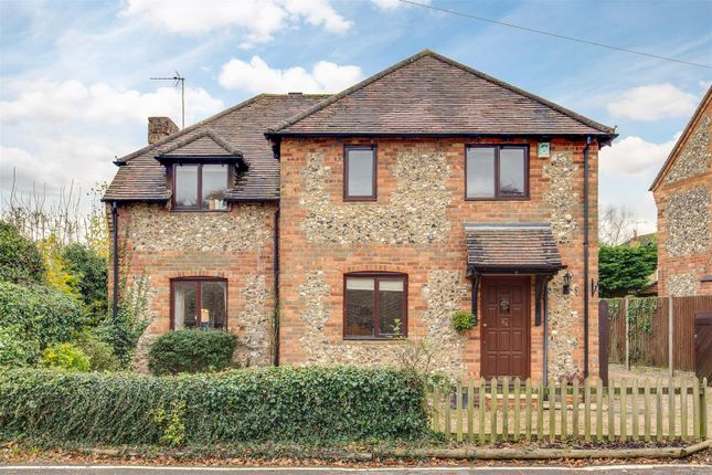 Thumbnail Detached house for sale in Commonside, Downley, High Wycombe