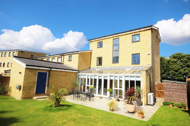 Thumbnail Town house for sale in Waterstone Way, Greenhithe