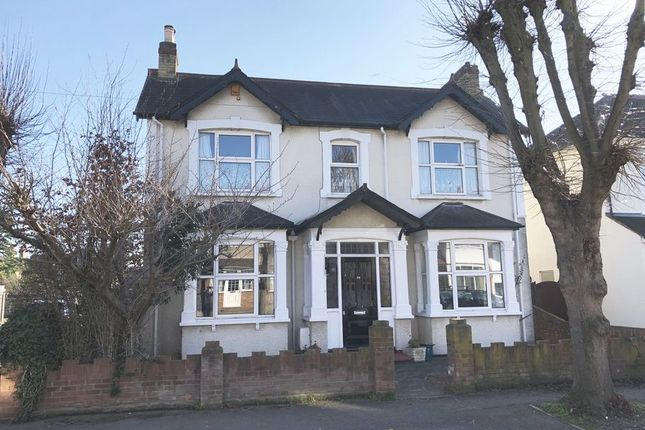 Thumbnail Detached house for sale in Parkland Grove, Ashford