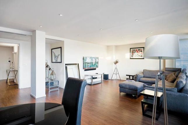Thumbnail Flat to rent in Oxygen Building, Royal Docks