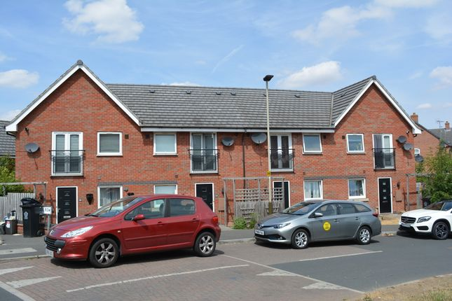 Thumbnail Town house for sale in Padside Close, Hamilton, Leicester