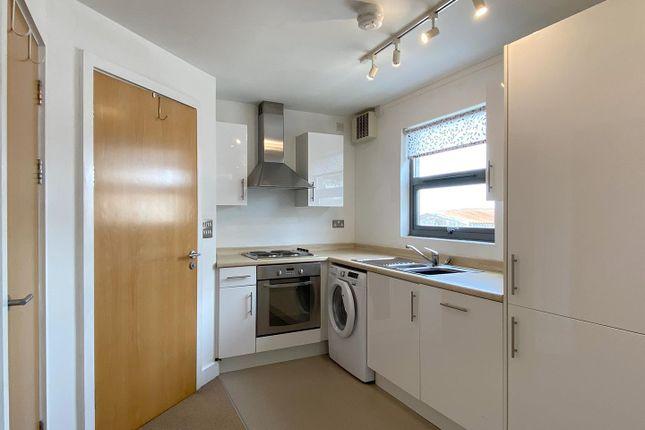 Studio to rent in St. Helens Road, Swansea SA1