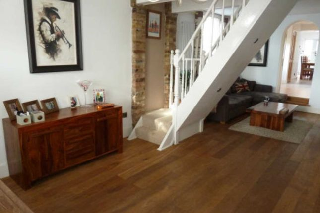 Thumbnail Property for sale in Brook Road, Epping