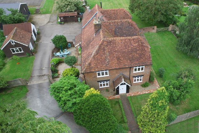 6 bed detached house for sale in Dairy Lane, Marden, Tonbridge