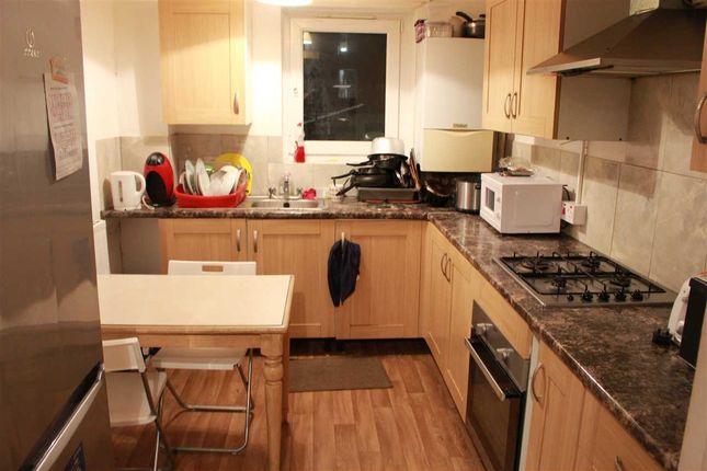 Thumbnail Flat to rent in Ambrose Walk, London