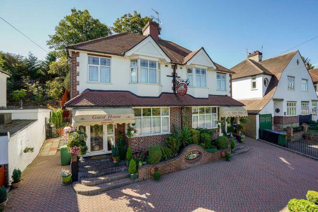 Thumbnail Detached house for sale in Shendish Edge, Hemel Hempstead
