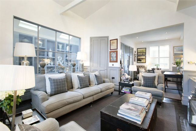 2 bed property for sale in Thirsk Road, London