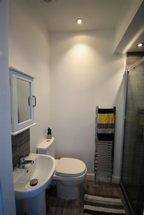 Thumbnail Room to rent in Prestwich Street, Burnley