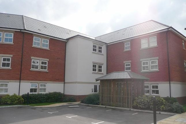 Thumbnail Flat to rent in Rossby, Shinfield, Reading