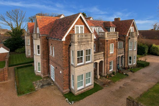 Thumbnail Flat for sale in St. Georges Place, St. Margarets-At-Cliffe, Dover