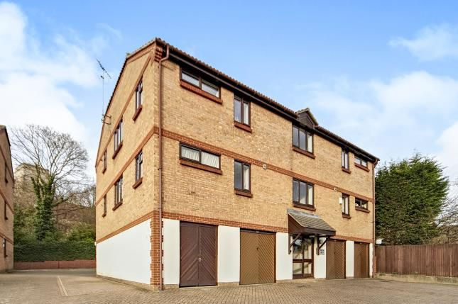 Thumbnail Flat for sale in Kirk Rise, Sutton