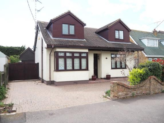 3 bed detached house for sale in Rayleigh, Essex, . SS6