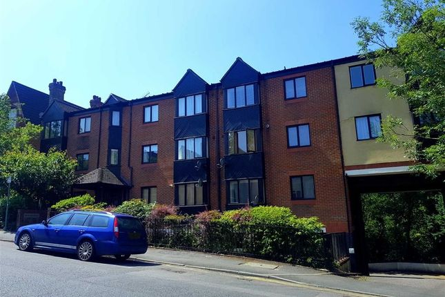 Thumbnail Flat to rent in De- Winter House, Sevenoaks