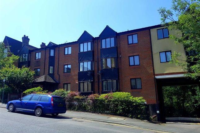 Thumbnail Flat to rent in De- Winter House, Sevenoaks