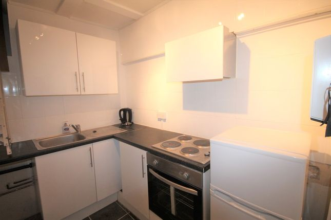 Thumbnail Flat to rent in Lewes Road, Bickley, Bromley