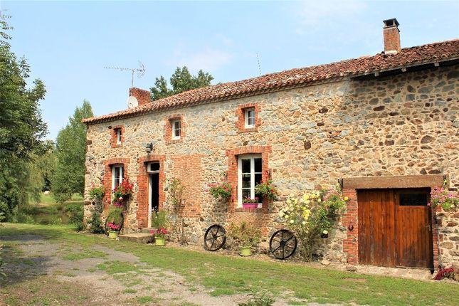 3 bed property for sale in Poitou-Charentes, Charente, Oradour Fanais