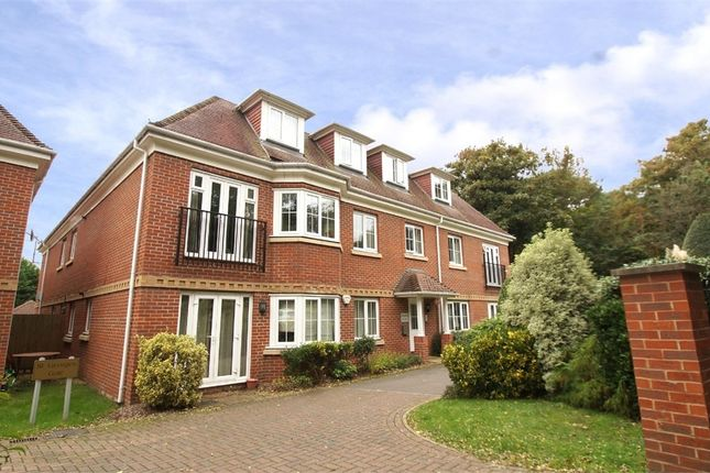 2 bed flat for sale in Woburn Hill, Addlestone, Surrey KT15