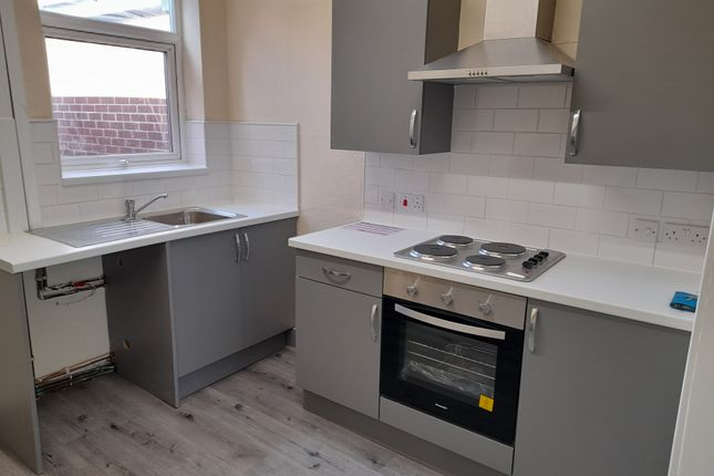 2 bed terraced house to rent in Cyprus Street, Hull HU9