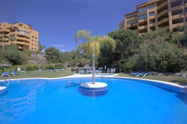 4 Bed Apartment For Sale In Terrazas Del Sol Estepona